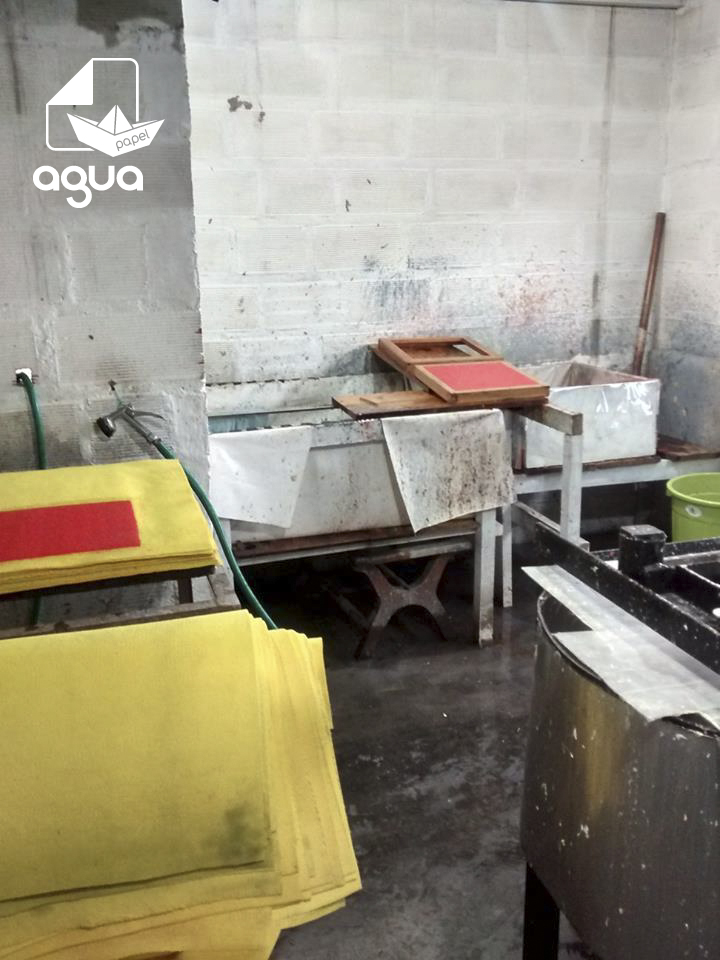 agua papel papermaking studio